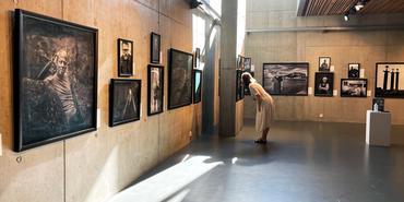 Opplev Arnfinn Johnsens flotte fotoutstilling i Galleriet.